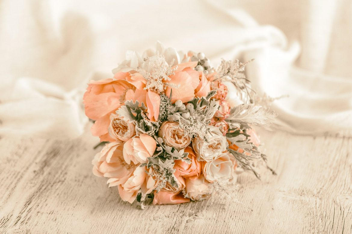 How Is Balance Important For Your Wedding Flowers?
